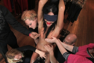 India Summer Fucked In Public By Strangers